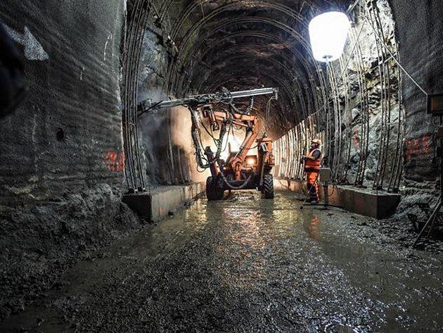 V Harrachovském tunelu