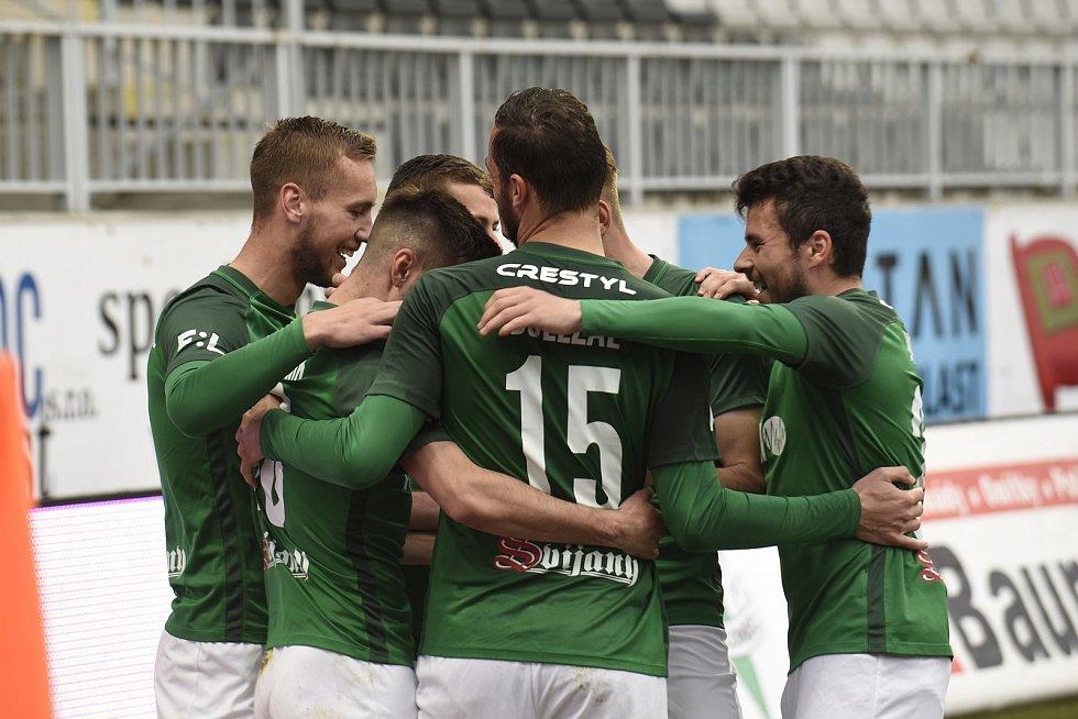 S trenérem v zádech, pod taktovkou asistenta Zdeňka Kluckého, vybojovali hráči FK Jablonec vítězství nad Ostravou 2:0.