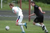 Lučany (v černém) hrály ve Velkých Hamrech svůj existenční zápas, aby se udržely v I.A třídě i v dalším ročníku.