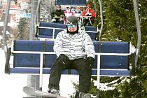 Zimní lyžařská sezona na Tanvaldském Špičáku.