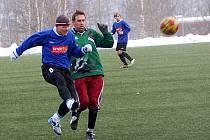 Fotbalisté Lučan ve druhém kole Mšeno cup 2009 remizovali s Lomnicí nad Popelkou 1:1. Oba přední celky I. A třídy se tak o body rozdělily.