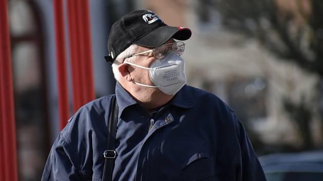 Jablonec s respirátory a rouškami. Čtvrtek 25. února 2021
