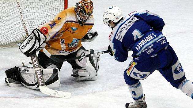 Jablonečtí hokejisté se v soutěži konečně chytli a začínají bodovat. V sobotu na domácím ledě porazili Klášterec nad Ohří 5:1.