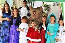 Děti z Divadelního souboru Bzí