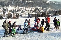 Na zimním táboře v Bedřichově s občanským sdružením  Diacel se letos sešlo čtyřiadvacet dětí z celé republiky.