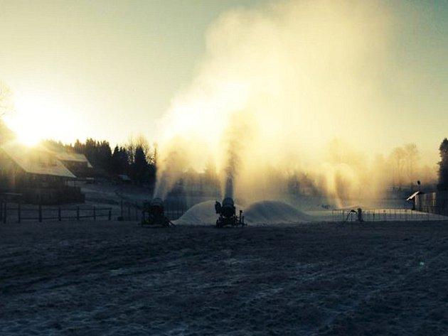 Na Bedřichově už připravují sníh pro Jizerskou 50
