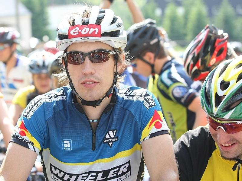 V  sobotu 7.6.2008 se jel závod horských kol Jizerská 50. Závod odstartoval hejtman Libereckého kraje Petr Skokan. Mezi závodníky se v první řadě objevil běžec Martin Koukal.