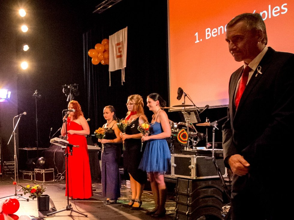 Hlavním partnerem 2. Benefičního plesu ČČK Jablonec byla opět Skupina ČEZ.