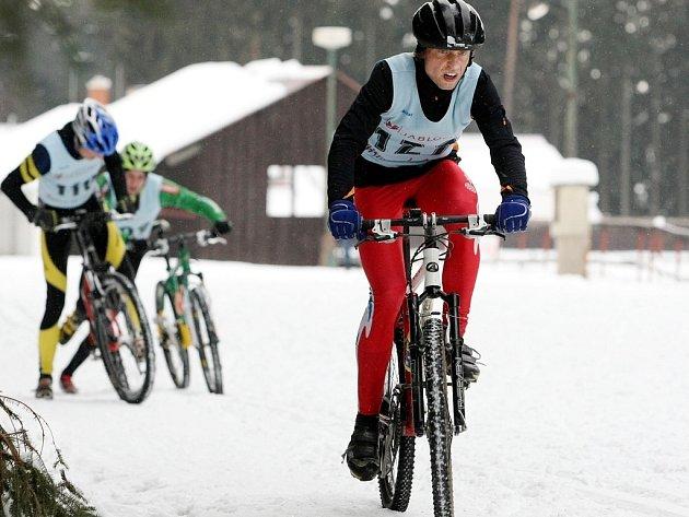 Zimní triatlon. Ilustrační snímek.