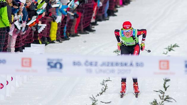 Vítězka letošní jubilejní JIzerské 50 Kateřina Smutná se také zapojila do sportovní aukce pro neziskovou organizaci Animal Eye.