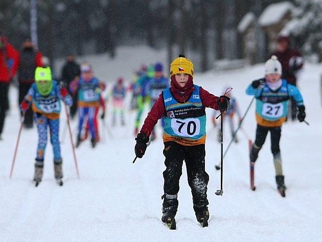 Dětský závod na lyžích. Ilustrační snímek