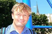 Jablonecký radní Jindřich Berounský rezignoval na funkci místopředsedy Strany pro otevřenou společnost (SOS), předsedy krajské organizace a předsedy základní organizace. Zároveň v pátek na republikovém sněmu SOS opustil její řady.