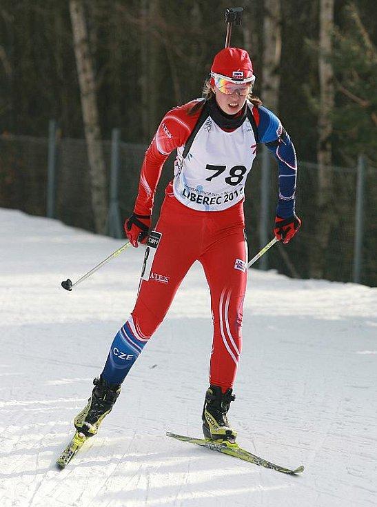 EYOWF 2011. Biatlon - dívky individuálně 10 kilometrů se jel v úterý v jabloneckých Břízkách. Dominika Zelinková (78) obsadila 32. místo.