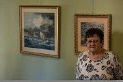 Vernisáž výstavy vyšívaných obrazů paní Gordany Momičové (na snímku), Malováno jehlou, proběhla 16. října v Městském divadle v Jablonci nad Nisou. Výstava potrvá do 27. listopadu.