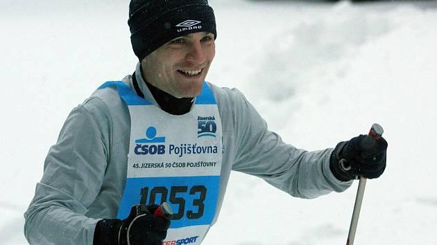 Fotbalisté Baumitu Jablonec na trati Jizerské padesátky. Útočník David Lafata.