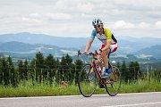 Pátý ročník nejdelšího cyklistického podniku v Česku, Metrostav Handy Cyklo Maraton, pokračoval 4. srpna. Pětidenního maratonu se účastní 42 čtyř nebo osmi členných týmů, které musí zdolat v limitu 111 hodin trasu o délce zhruba 2222 kilometrů.