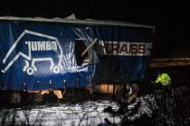 Nehoda nákladního automobilu 22. ledna na 39 kilometru rychlostní silnice R35 směrem na Turnov.