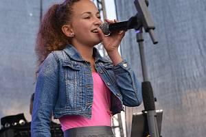 Michaela Mervartová. Nadějná herečka a především zpěvačka chodí do 7. třídy ZŠ Jabloňová v Liberci.
