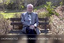 Pro seniory funguje samostatná linka 777778538 s nabídkou pomoci.