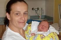 Oliver Samek se narodil Šárce Medžidové a Daliborovi Samkovi z Liberce 24. 9. 2014. Měřil 47 cm, vážil 2950 g.