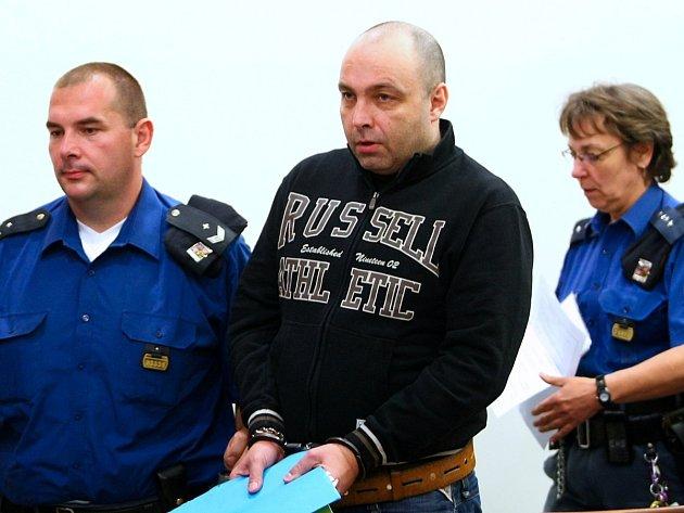 Petr Rýžak (uprostřed)