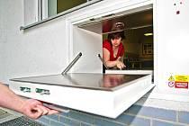 V jablonecké nemocnici se v květnu instaloval nový Baby Box. Pracovníci se seznamují s obsluhou, slavnostní uvedení do provozu je plánováno na Dětský Den – 1. června.