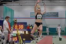 Barbora Hůlková je velkou nadějí nejen jablonecké atletiky. Pod vedením trenérky Dana Jandové  má výborné výsledky.