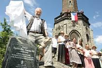 Pomník na rozhledně Štěpánce odhalil Zdeněk Svěrák