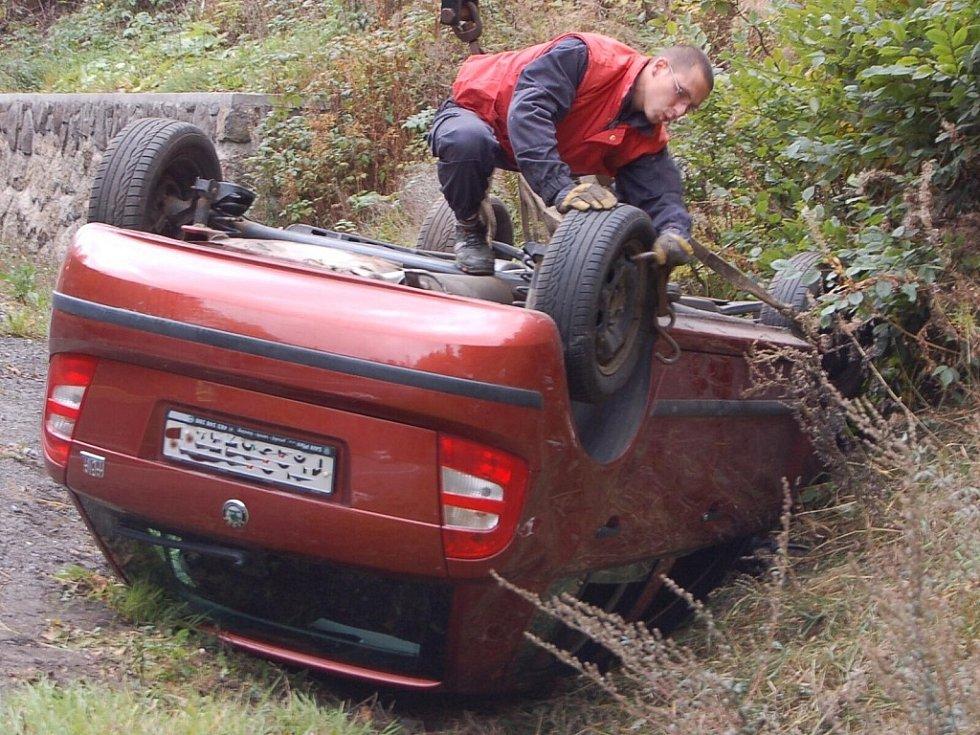 Nehoda u Železného Brodu se stala za Pyrámem směrem k Brodu v úterý ve 12,15 hodin