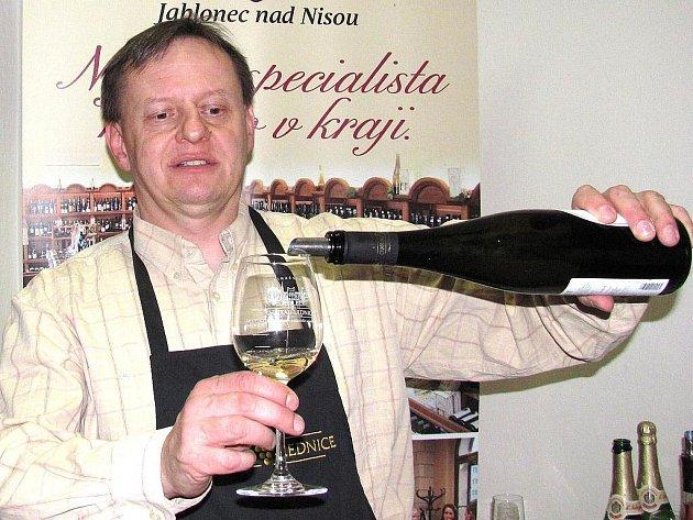 Somelier Petr Krejčík má jarního favorita, doporučuje Rulandské šedé.