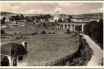 Pohled od nádraží na viadukt.