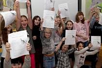 I na Základní škole v Lučanech nad Nisou dostaly včera děti pololetní vysvědčení