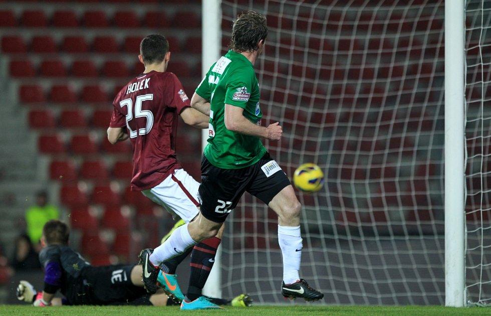 Jablonec hrál na Spartě 2:2. Na snímku Tomáš Čížek z Jablonce při vstřelení své druhé branky v utkání.