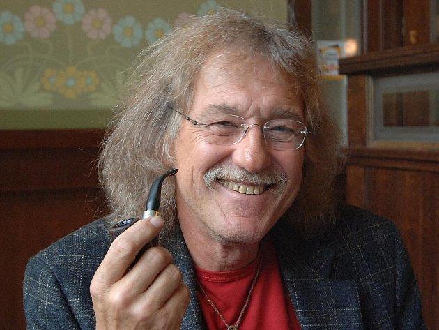 Kytarista Lubomír Brabec.