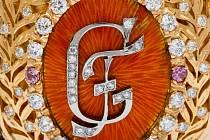 Česká mincovna z Jablonce představila k příležitosti 200. výročí narození Gustava Fabergého, zakladatele světově proslulé klenotnické dynastie, své nejnovější pamětní mince, jejichž autorem je absolvent UMPRUM Asamat Baltaev.