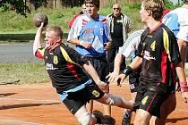 Českolipští házenkáři úspěšně vkročili do nového ročníku Severočeské ligy. Na domácí antuce pokořili rezervu Jablonce. Na snímku je domácí Milan Drobný.