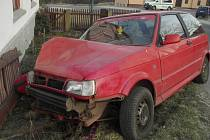 Mladík nezvádl pod vlivem alkoholu řízení a naboural.