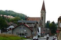 Katolický kostel sv. Václava Velké Hamry.