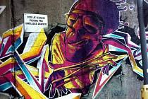 Volné plochy pro vytváření graffiti jsou vždy označeny speciálním štítkem. V Jablonci jich je v současnosti pět.