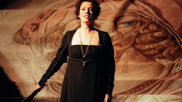 Nina Stemme v opeře Tosca