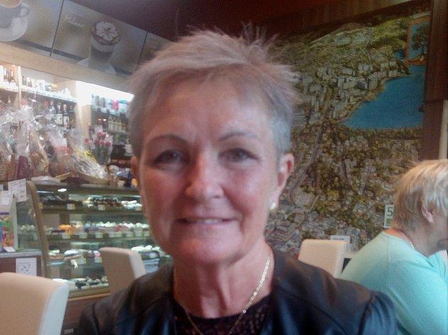Soňa Paukrtová byla v letech 2000 až 2012 nezávislá senátorka za obvod č. 35 – Jablonec nad Nisou, kde zvítězila nad protikandidátem Jiřím Čeřovským. V letech 1990 až 2014 byla zastupitelkou Jablonce, zástupkyní starosty a později náměstkyní primátora.