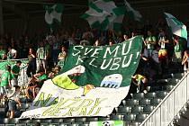 Jablonečtí fandové při zápase 3. předkola Evropské ligy s norským Stromsgodsetem.