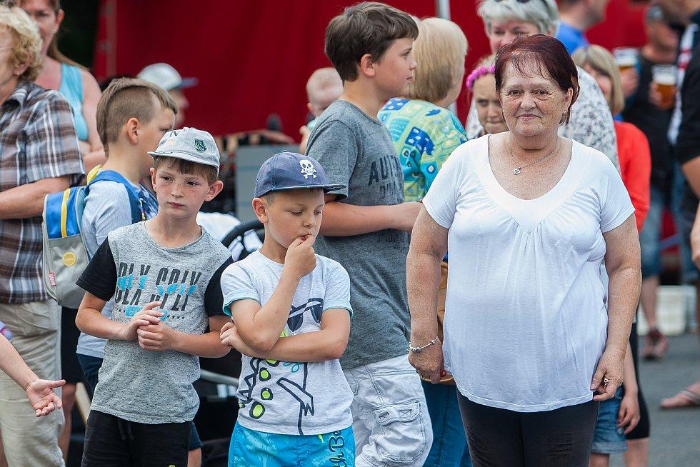Tradiční Rychnovské slavnosti proběhly 26. května v Rychnově u Jablonce nad Nisou. Na snímku jsou návštěvníci slavností.