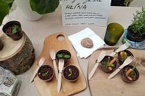 Cílem Restaurant Day je inspirovat obyčejné lidi k tomu, aby se alespoň jednou za rok společně sešli a podle vlastního či převzatého receptu připravili pro své přátele, kamarády, sousedy a příbuzné jídlo nebo nápoj, které mají nejraději.