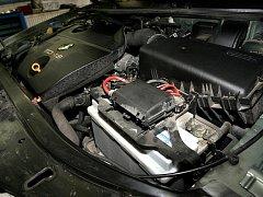 Motor auta. Ilustrační snímek.