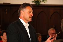 Jablonecký komorní orchestr ZUŠ pod taktovkou Luboše Lachmana koncertoval v úterý 22. června v kostele Dr. Farského s programem Hudba versus design - Rozloučení s koncertní sezónou 2009/10.