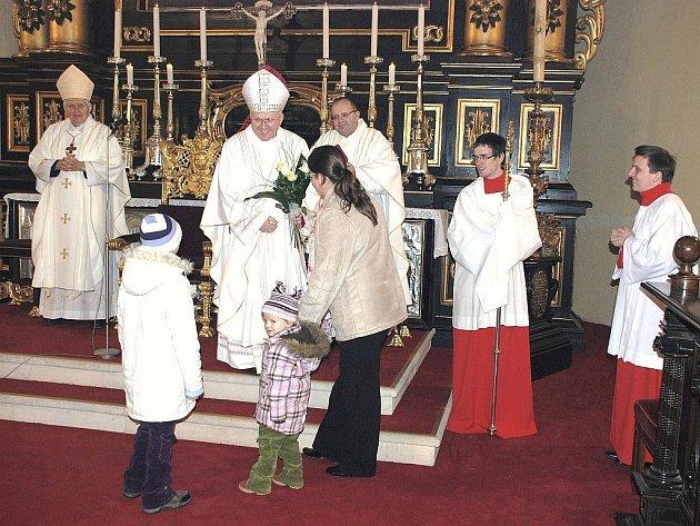 Litoměřický biskup Mons. Jan Baxant sloužil v neděli 22. listopadu v den Slavnosti Krista Krále, mši svatou v katedrále sv. Štěpána na Dómském náměstí v Litoměřicích.