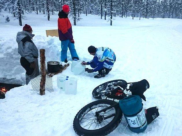 Jablonečan Jan Kopka se po 3 letech vrátil na start zimního arktického závodu na polárním kruhu Rovaniemi.