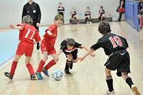 Turnaje pořádaného Fotbalovou akademii FK BAUMIT Jablonec se zúčastnilo deset týmu rozdělených do dvou skupin.
