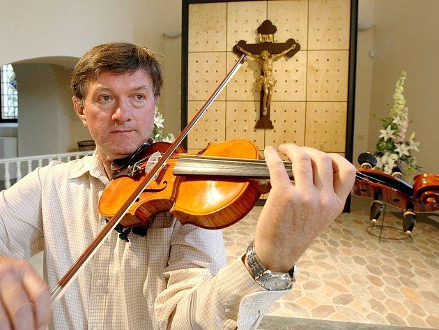 V kostele sv. Anny hráje František Lamač.